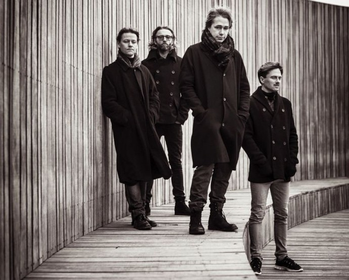 Mew-Copenhagen-2014-0749-2-690x553